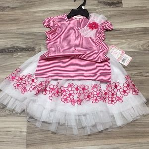 🎈2-piece Set Embellushed T-Shirt with Skirt 4T🎈